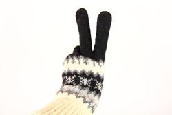 fairtrade winter gloves black and white