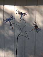 Metal Yard Art Dragonfly sculputre with 3 Dragonflies by The Lazy Scroll