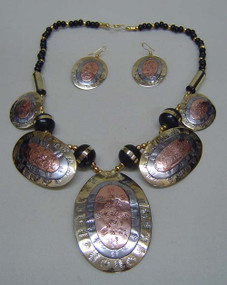 Big Bold and Beautiful Tri-tone Oval Necklace set...see what give you an awesome new look.