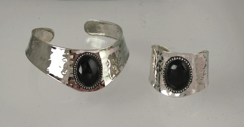 Silver/Black Stone