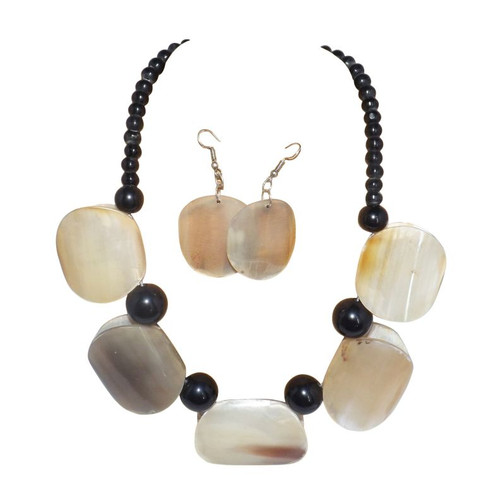 "Horn Block Necklace Set  Who wouldn't notice this beautiful statement horn necklace.  Not to big and not to small, but noticeable. Each block is 1.5"" wide. Earrings 1"" wide, and hangs 10-12""."