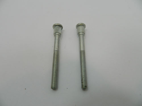 Stihl 017,018,MS 170,MS180 chainsaw carb carburettor bolts x 2