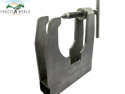 Husqvarna chainsaw crankcase splitter tool