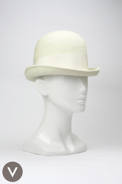Vintage 1960s cream Whitmor Modes fur-felt bowler hat with bow trim