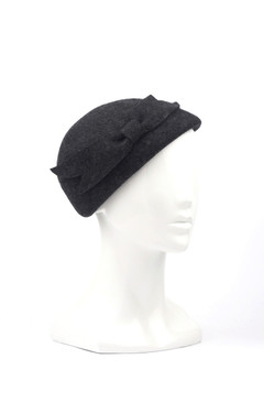 Max Alexander Wool Felt Beret in Charcoal Grey