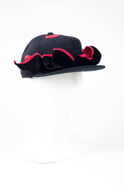 PORTO - Black Cap with Red Lips Trim by Benoit Missolin