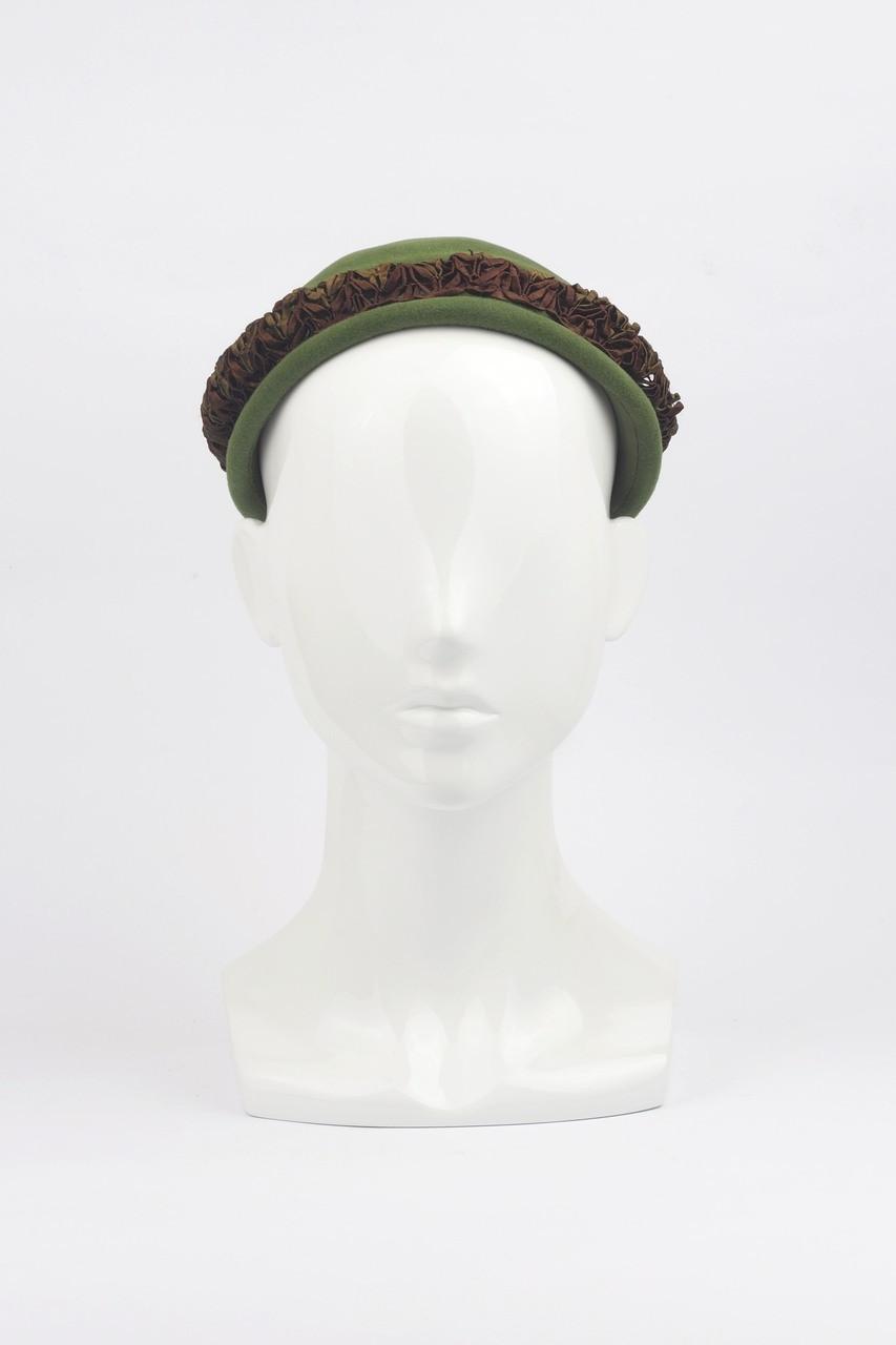 7ba8f0fa01d Vintage 1940s Hattie Carnegie Green Fur-Felt Cap with Braid Detail. Price    95.38. Image 1