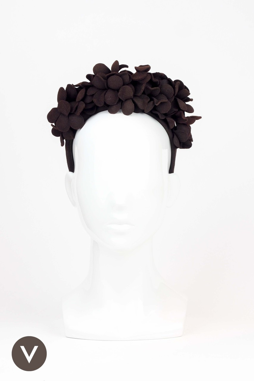 01122a3f1ad Vintage 1940s Brown Felt Cap with Flower Crown. Price   107.62. Image 1