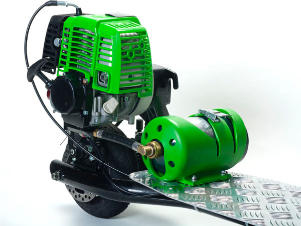 Progo 3000 uses a 25cc 4 Stroke Engine
