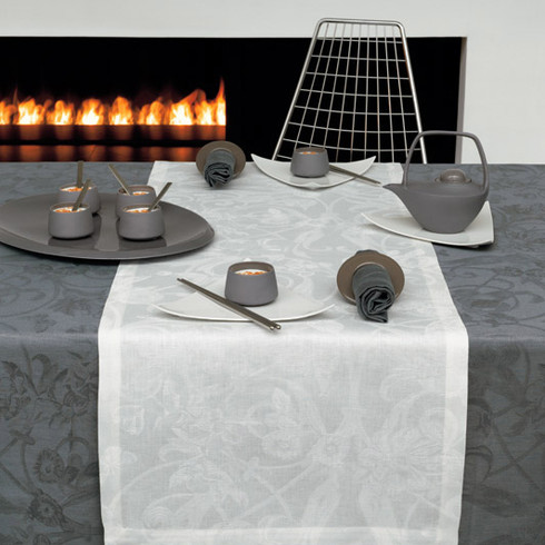 Tablecloth & White Table Runner