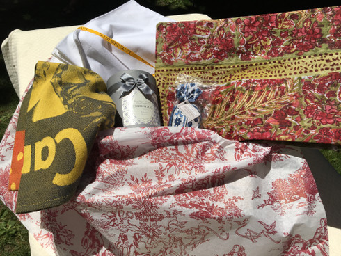 Gift Set: tablecloth, napkins, dishtowel, candle, lavender sachet