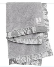 'Little Giraffe' Chenille Blanket- Silver