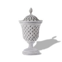 Lattice Urn with Top