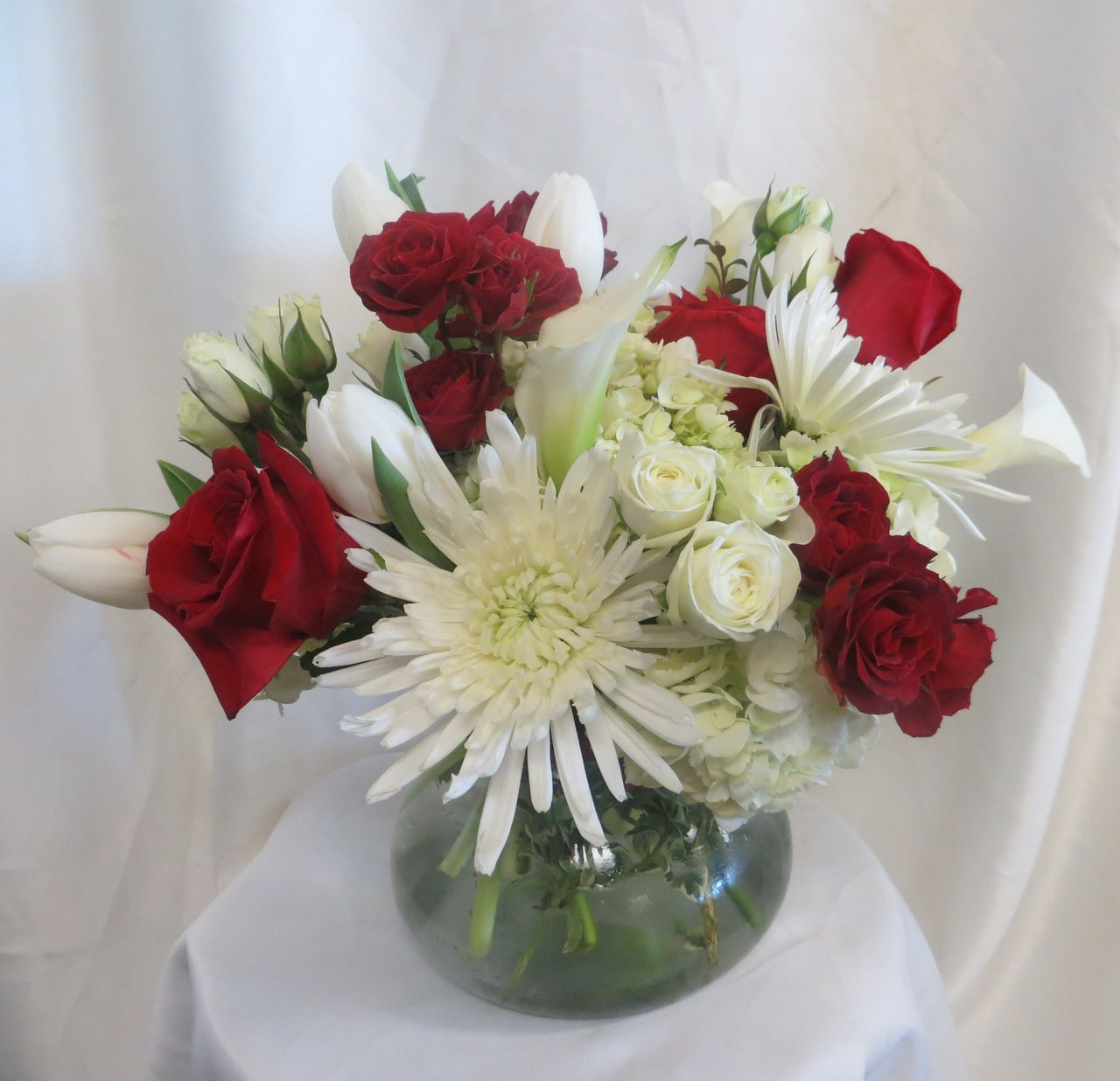 Knock out flower bouquet for friendswood delivery knock out flower bouquet by enchanted florist pasadena tx this lush and contemporary bouquet is izmirmasajfo