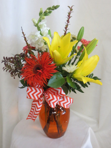 Sunny Sunshine Orange Gerbera and Yellow Lily Flower Arrangement by Enchanted Florist Pasadena TX - Daily delivery in Houston Texas and surrounding areas. RM114