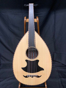 Scale length of 61.5 cm. Simple, yet elegant front.