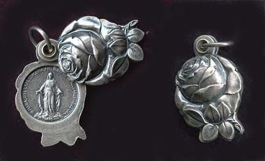 Rose locket pendant