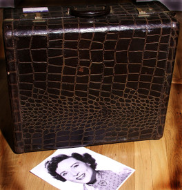 Vintage Alligator suitcase, Betty White suitcase, Old suitcase ba