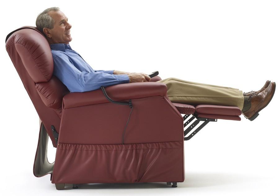 Lift Chairs Vs Recliner Chairs Which One Should You Choose
