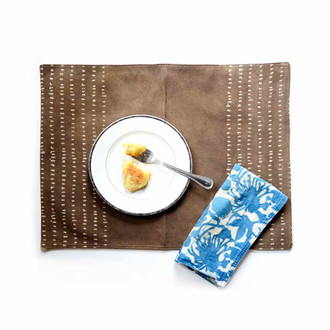 Pebbles Placemat - brown