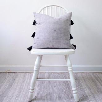 Topi - Tassle Pillow