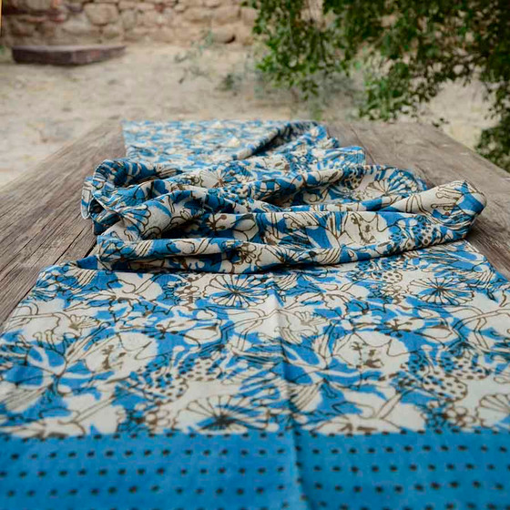 blue and ivory table runner