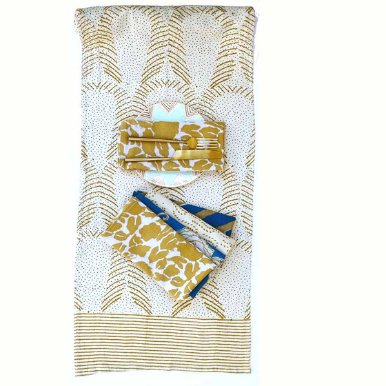Table Runner and mix match napkins