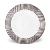 L'objet Platinum Corde Wide Rim Charger