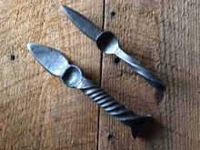 Carolina Shuckers Ole Big Boy Knife (left)