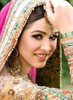 brides-makeup-cosmetics-preparation-online-pakistan.jpg