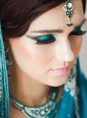 makeup-cosmetics-preparation-articles-blog-online-pakistan.jpg