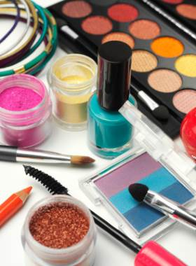 read-makeup-cosmetics-beauty-health-products-reviews-prices-online-pakistan.jpg