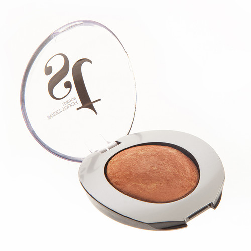Sweet Touch London Glam & Shine Glimmer Eye Shadow. Lowest price on Saloni.pk.