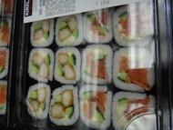 Sushi Tray Crispy Chicken and Smoked Salmon 16 PCS