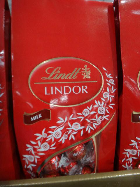 Lindt Lindor Milk Choc Red Bag 608G | Fairdinks