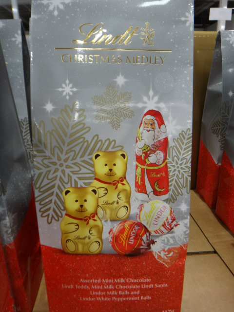Lindt Christmas Medley Bag 417G | Fairdinks