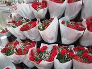 Valentines Day Roses 12 Stem Bouquet 50 cm | Fairdinks