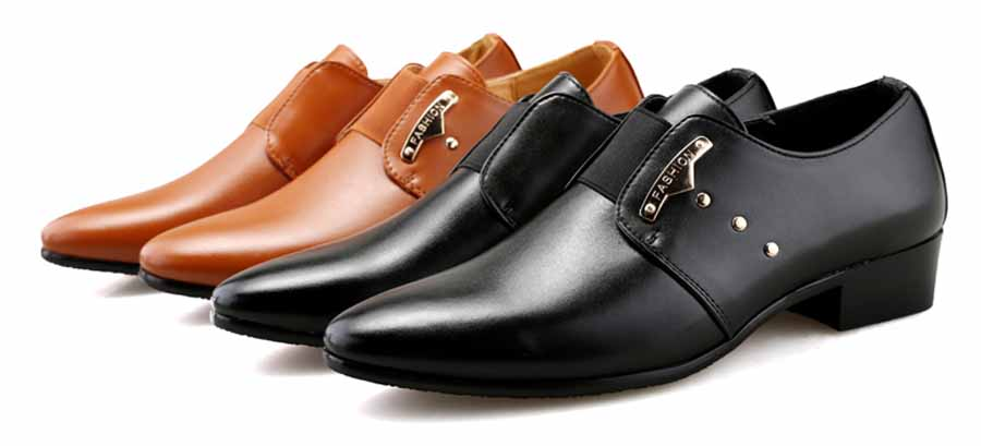 Men's rivet decorated slip on dress shoes