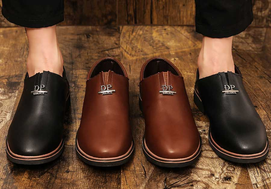 Men's metal label slip on dress shoes