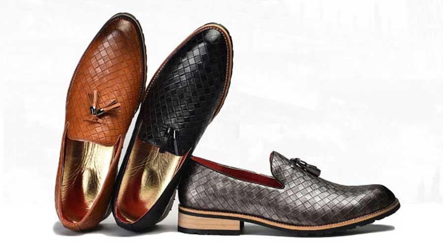 Men's retro check slip on dress shoes with tassel