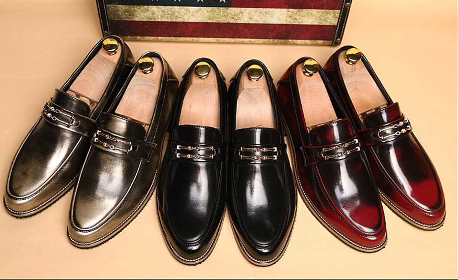 Men's metal buckle leather slip on dress shoes