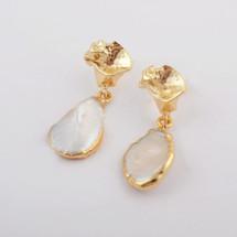 Natural Pearl Drop Earrrings