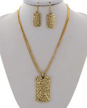 Gold Filigreed Necklace Set