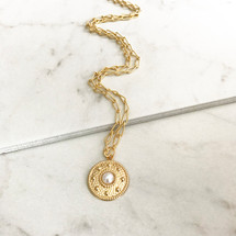 Lucca Medallion Necklace - Pearl