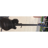 SOLD - GODIN A4 ULTRA FRETLESS BASS