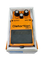 BOSS DS-1 DISTORTION WITH BOX