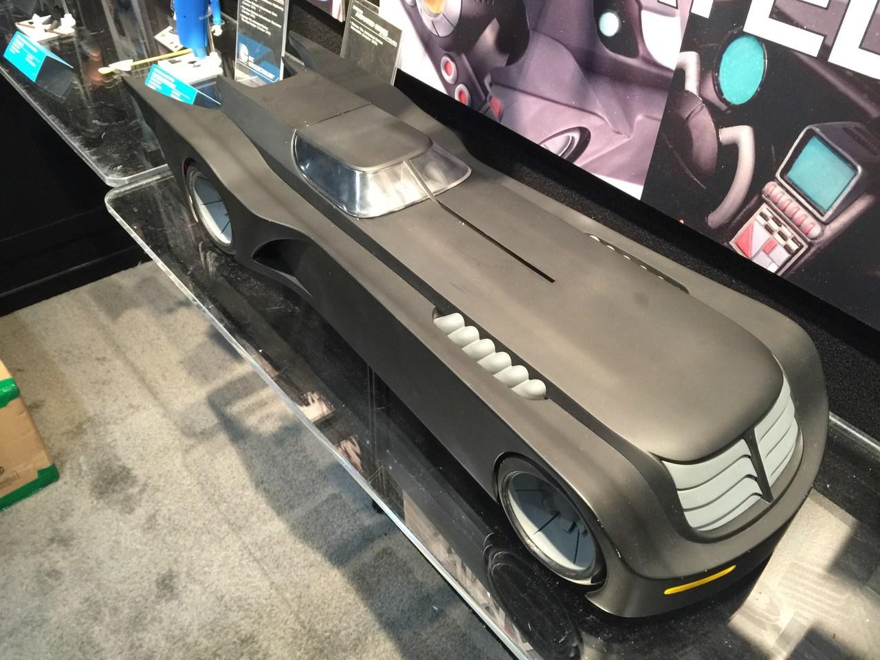 batman-the-animated-series-batmobile-vehicle-with-lights.jpg