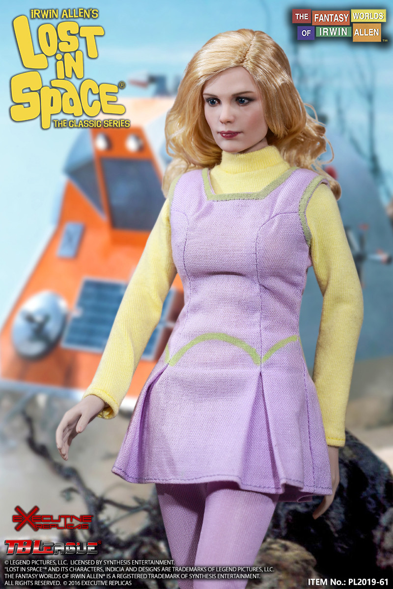 Lost In Space Judy Robinson With 3rd Season Outfit