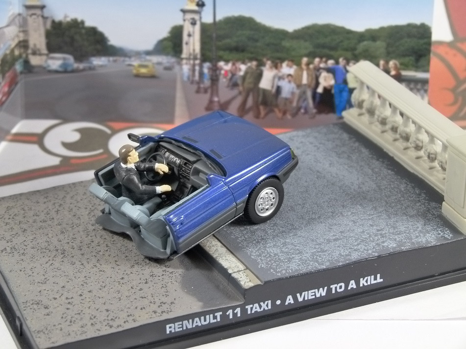 JAMES BOND - 1/43 RENAULT HALF-TAXI (A VIEW TO A KILL) (R11)