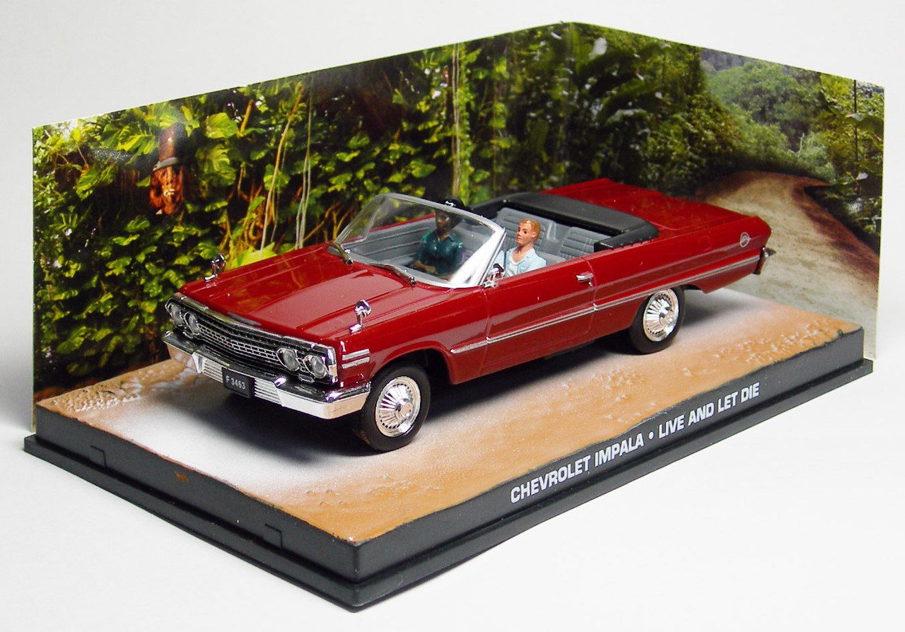 JAMES BOND - 1/43 CHEVY IMPALA 1963 OPEN (LIVE AND LET DIE) (DY054)